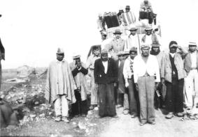 Ο Ερνέστο μαζί με αυτόχθονες στο Περού.
