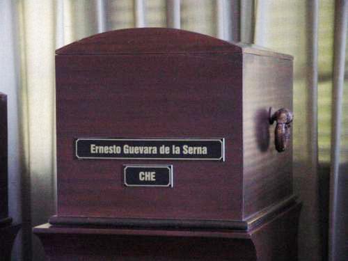Το φέρετρο με τα οστά του Τσε, Σάντα Κλάρα, Οκτώβρης 1997.