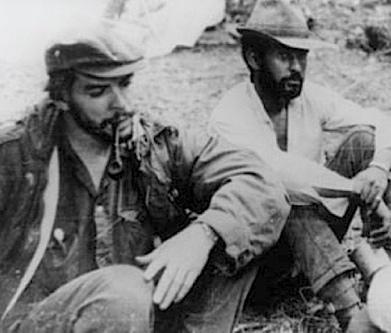 Ο Βιγιέγας με τον Τσε στη Βολιβία, 1966.